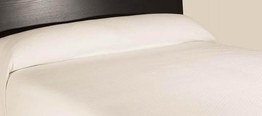 Colcha rubi para hotel hosteltex ropa para hosteler a - Ropa de cama para hosteleria ...